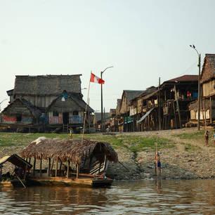 Dorp aan de Amazone bij Iquitos(5)
