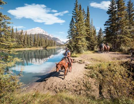 Canada-Banff-Paardrijden-Bow-River