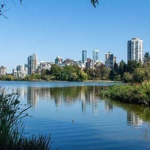 Canada-Vancouver-Stanley-Park-Skyline
