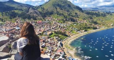 Genieten van de uitzichten over Copacabana- Bolivia