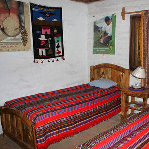 Ecuador-Otavalo-Runa-Tupari-