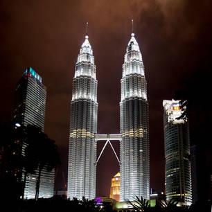 Maleisië-West-Maleisië-Kuala Lumpur-TwinTowers by night(8)