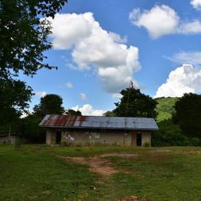 Een schooltje met de groepen 1 t/m 3 in Ban Don Khoun, Nong Khiow - Laos