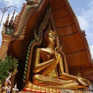 Thailand-River-Kwai-Wat-Tham-Sua