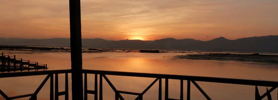 Myanmar-Inle Lake-zonsondergang1(13)