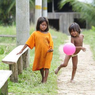 Colombia-Amanzone-spelende-kinderen_1_486360